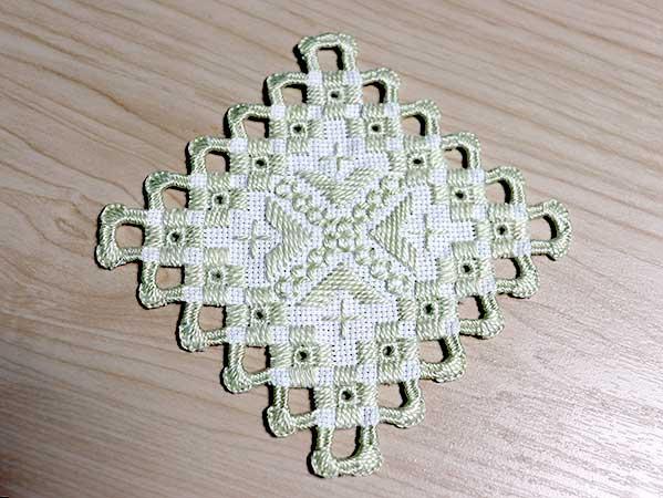 ハーダンガー刺繍コースター